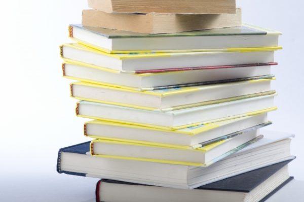 プログラミングの勉強法!本で学ぶメリット・デメリットやポイントは?